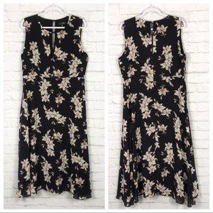 Suzanne Betro Keyhole Sleeveless Floral Maxi Dress